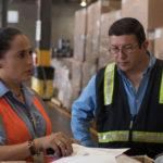 Revisión de inventarios en almacen de carga