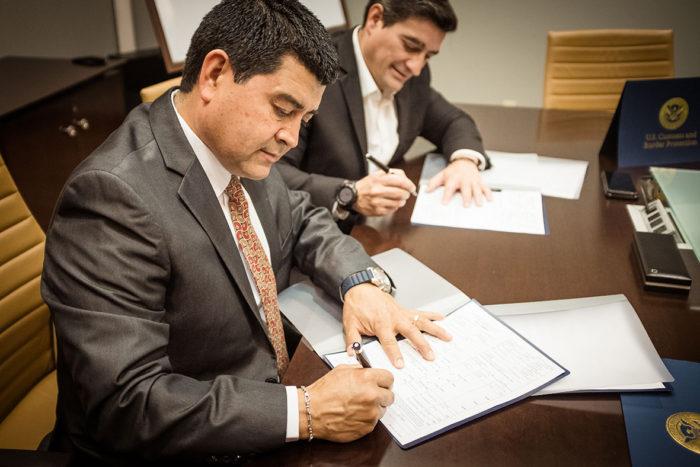 Epsilon Brokerage firma como Agente Aduanal Americano